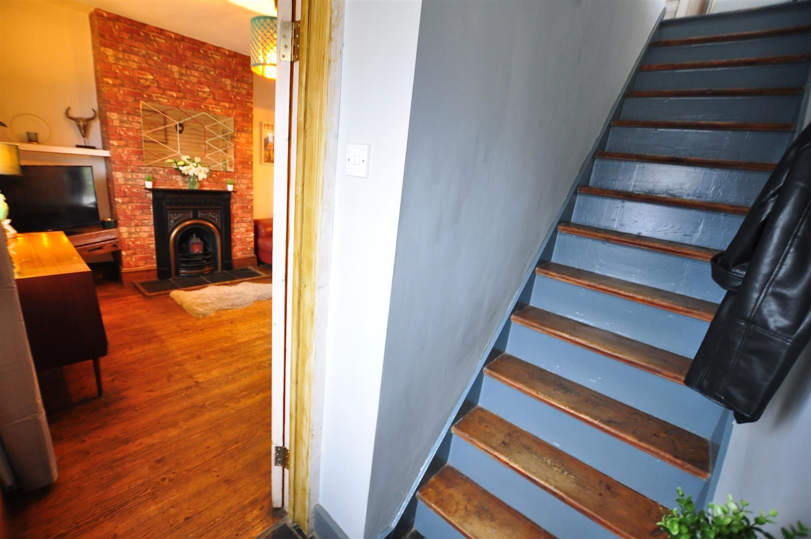 2 bed semi-detached for sale 12