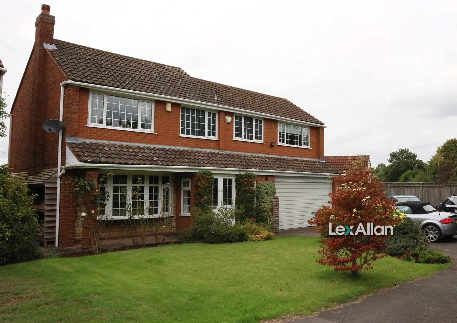 4 bed detached for sale