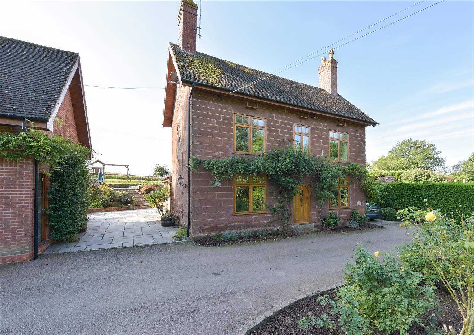 5 bed detached for sale in Broome 42