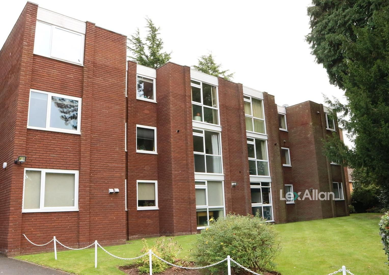 2 bed apartment for sale in Pedmore, DY9
