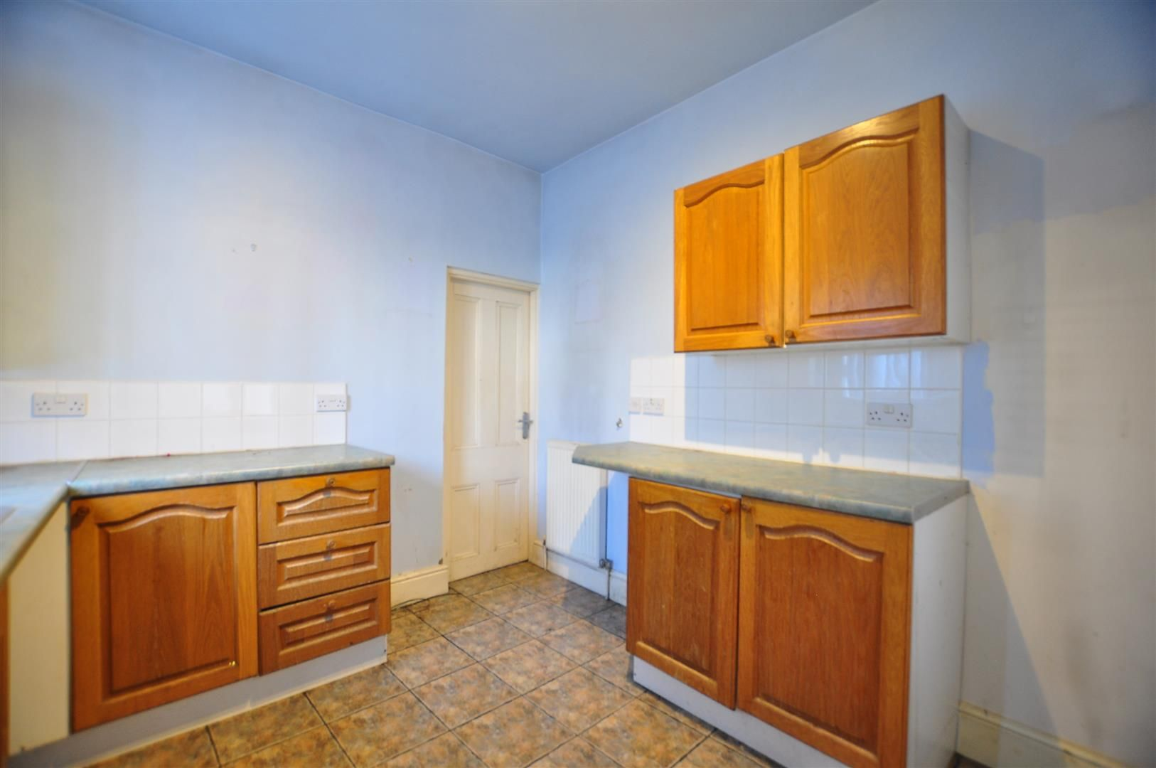 2 bed end-of-terrace for sale 7