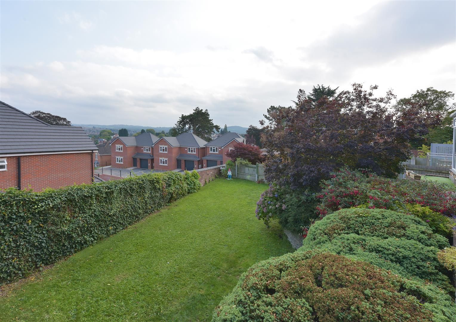 3 bed detached for sale 23