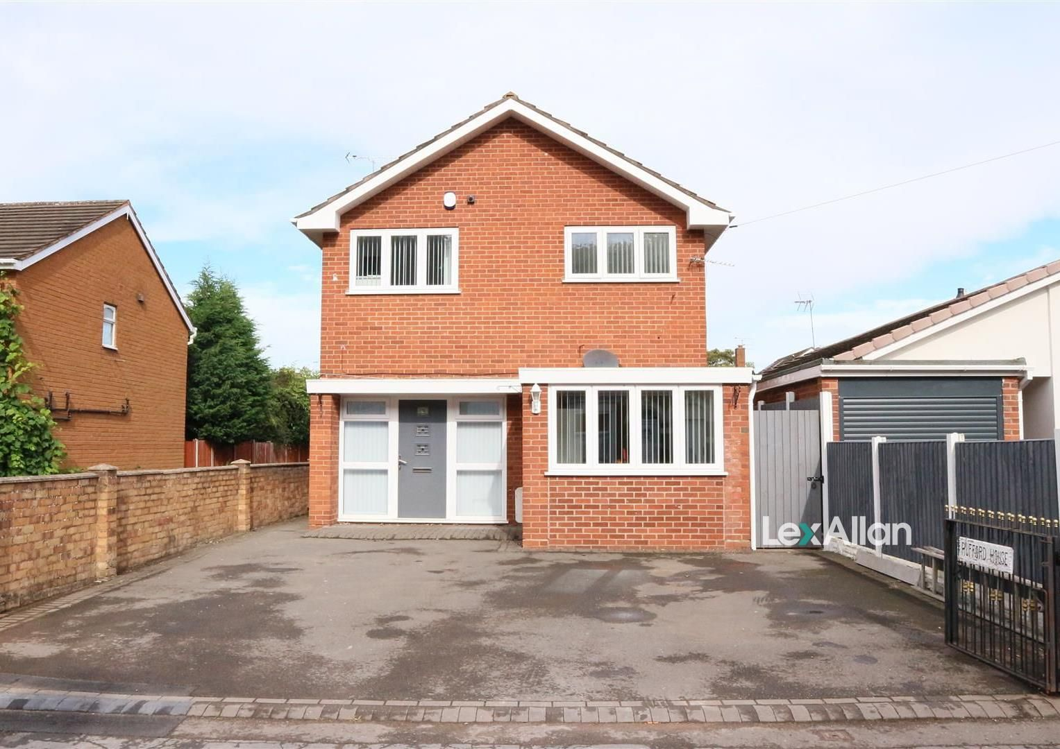 6 bed detached for sale, DY6
