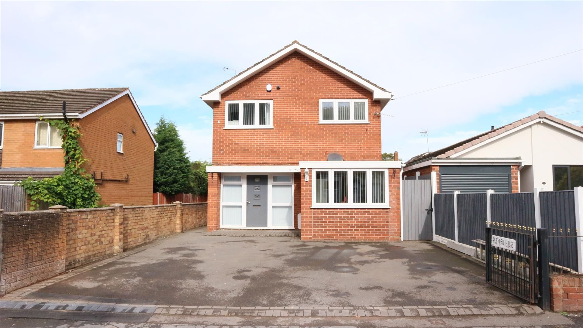 6 bed detached for sale 22