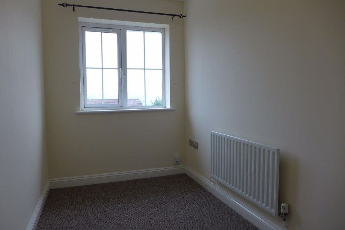 3 bed  to rent 11