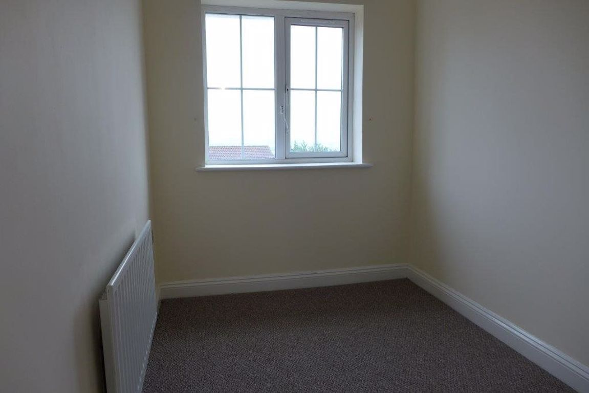 3 bed  to rent 12