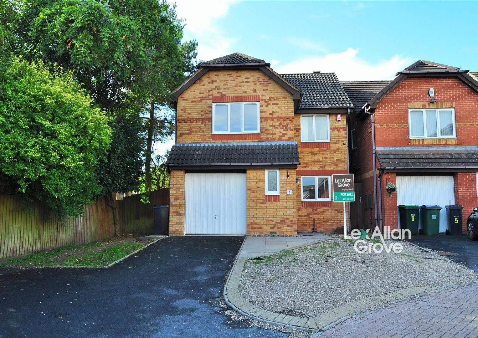 4 bed detached for sale, B65