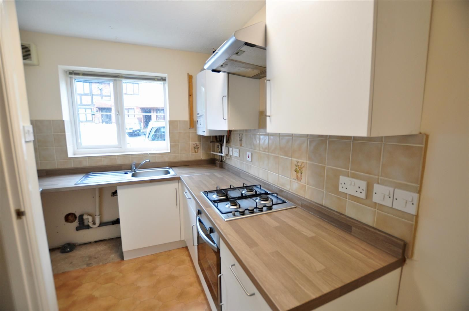 2 bed terraced for sale in Hagley 3