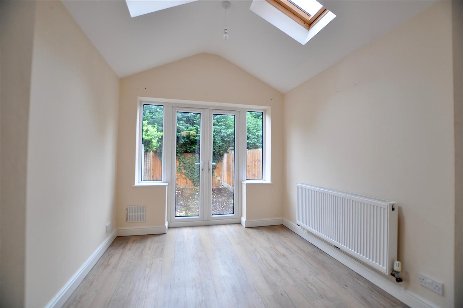 2 bed terraced for sale in Hagley 5