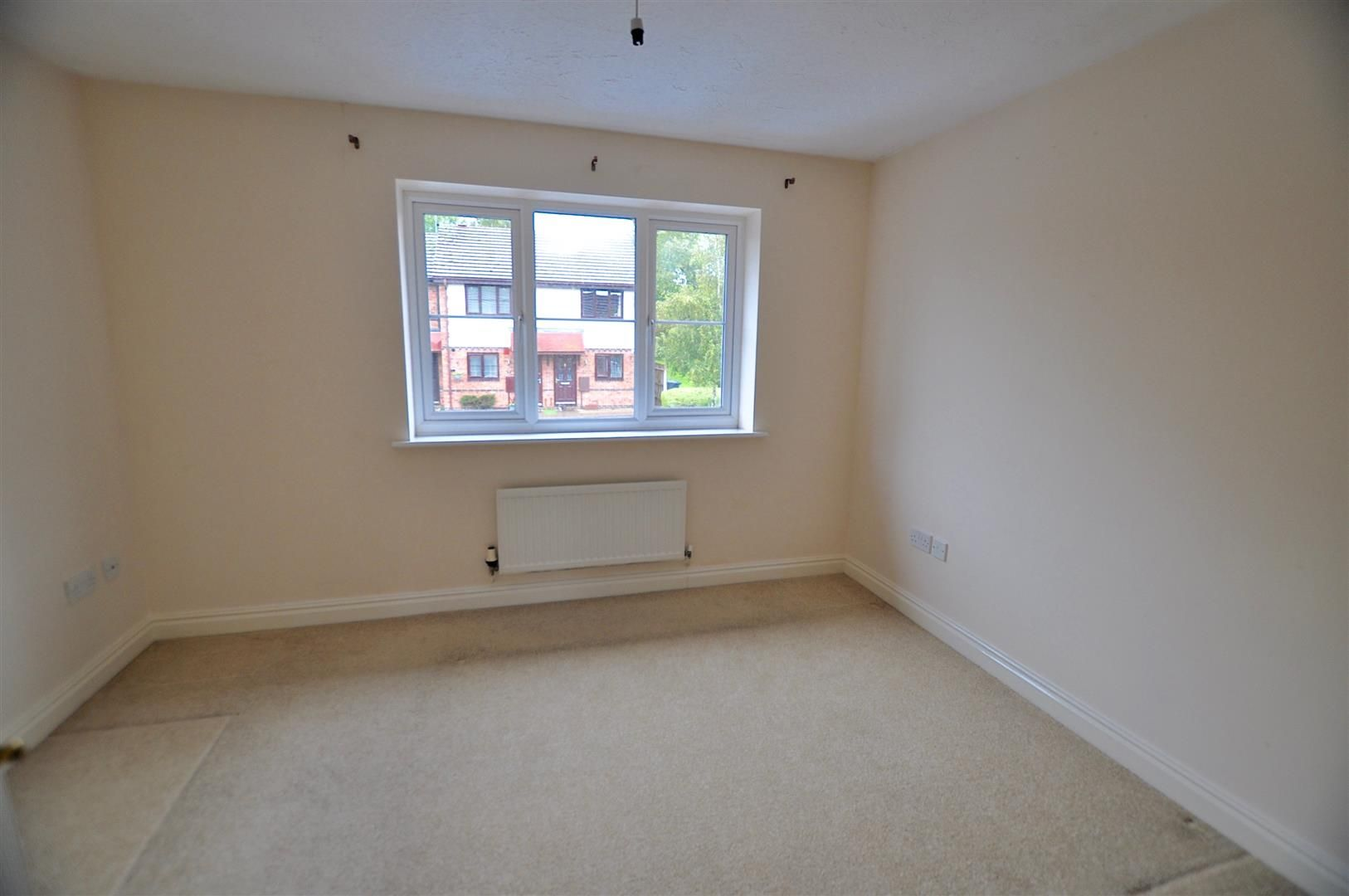 2 bed terraced for sale in Hagley 6