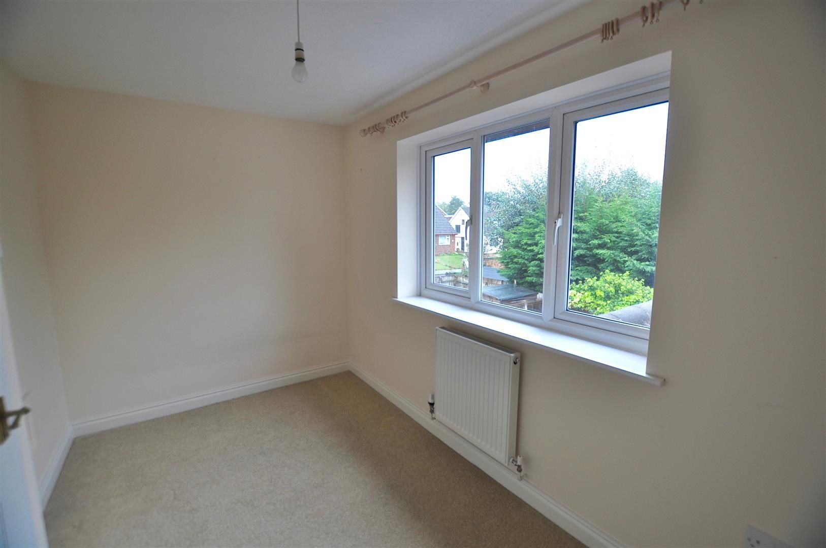 2 bed terraced for sale in Hagley 7