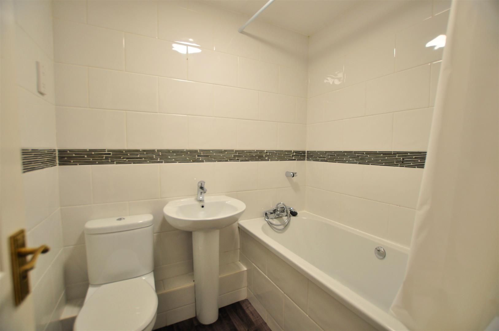 2 bed terraced for sale in Hagley 8