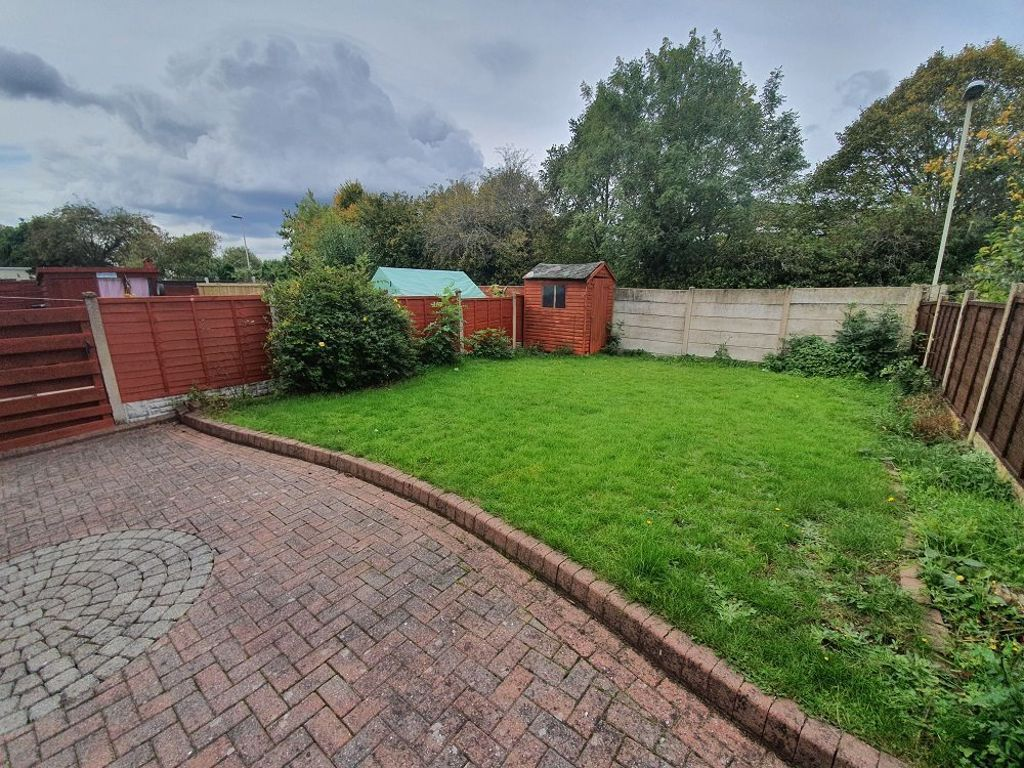 3 bed  to rent in Brierley Hill  - Property Image 11
