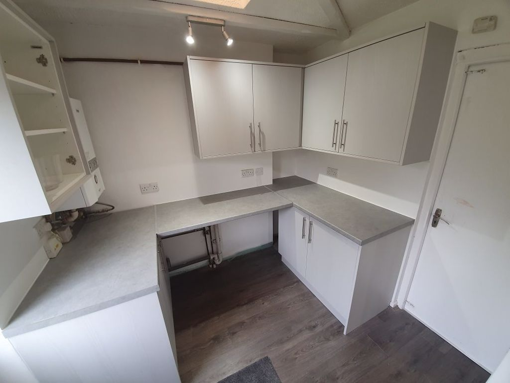 3 bed  to rent in Brierley Hill 8