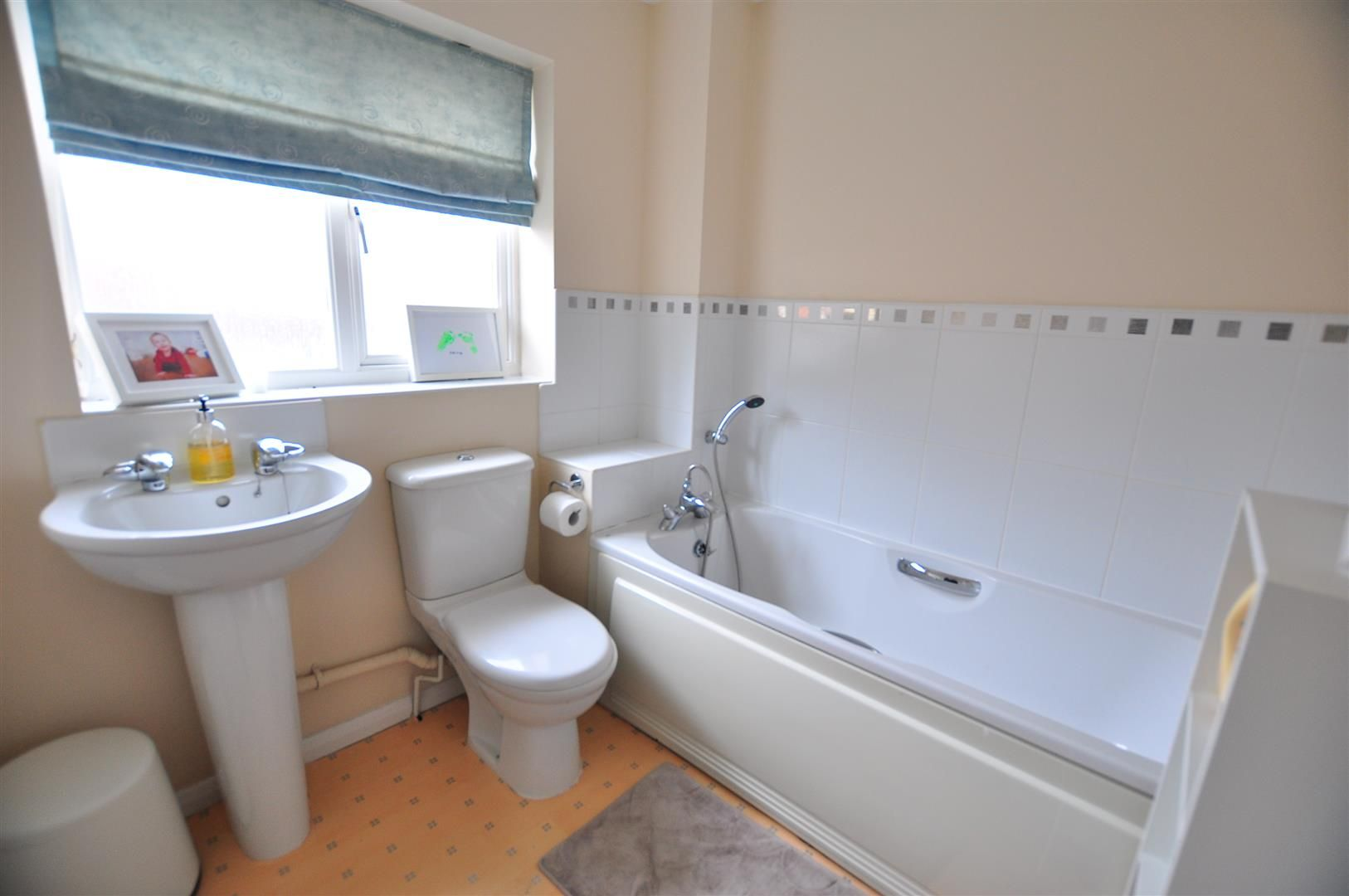 3 bed end-of-terrace for sale 13