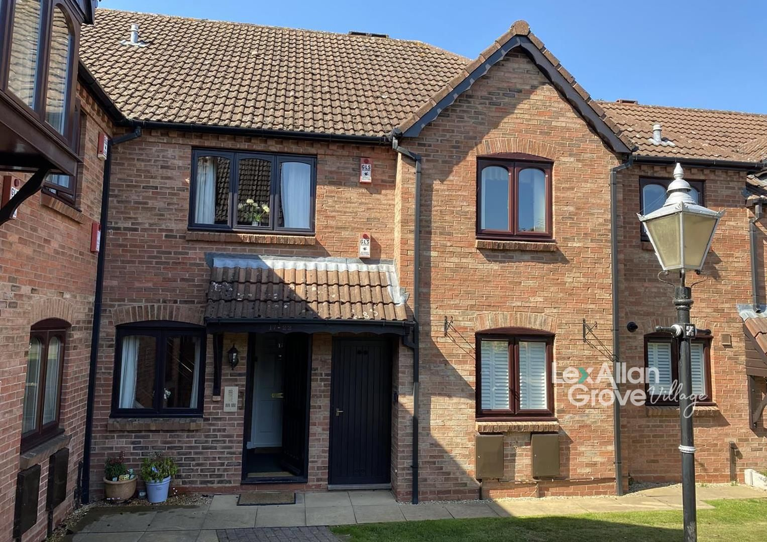 2 bed flat for sale in Belbroughton, DY9