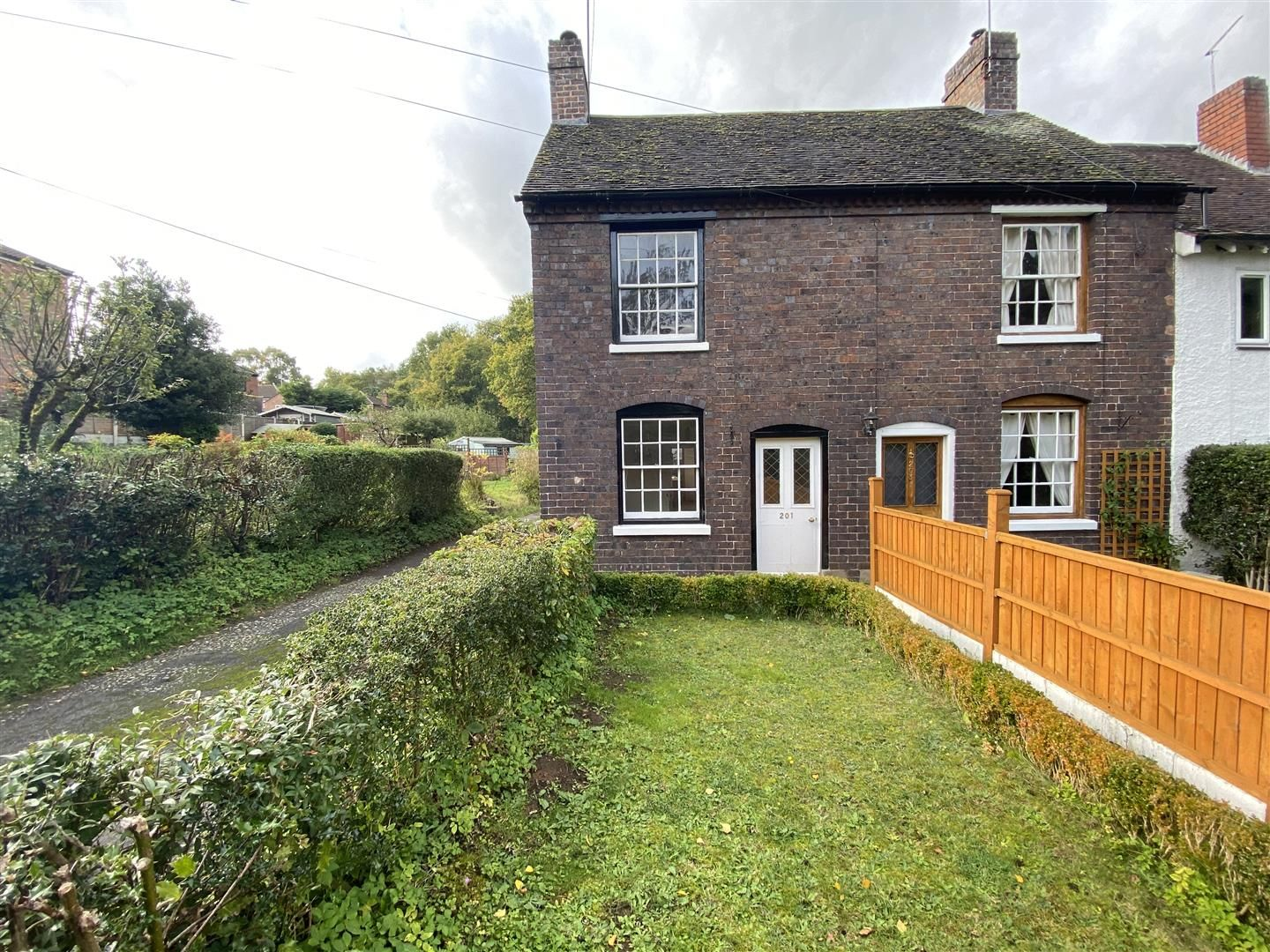 2 bed end-of-terrace for sale in Kinver 16