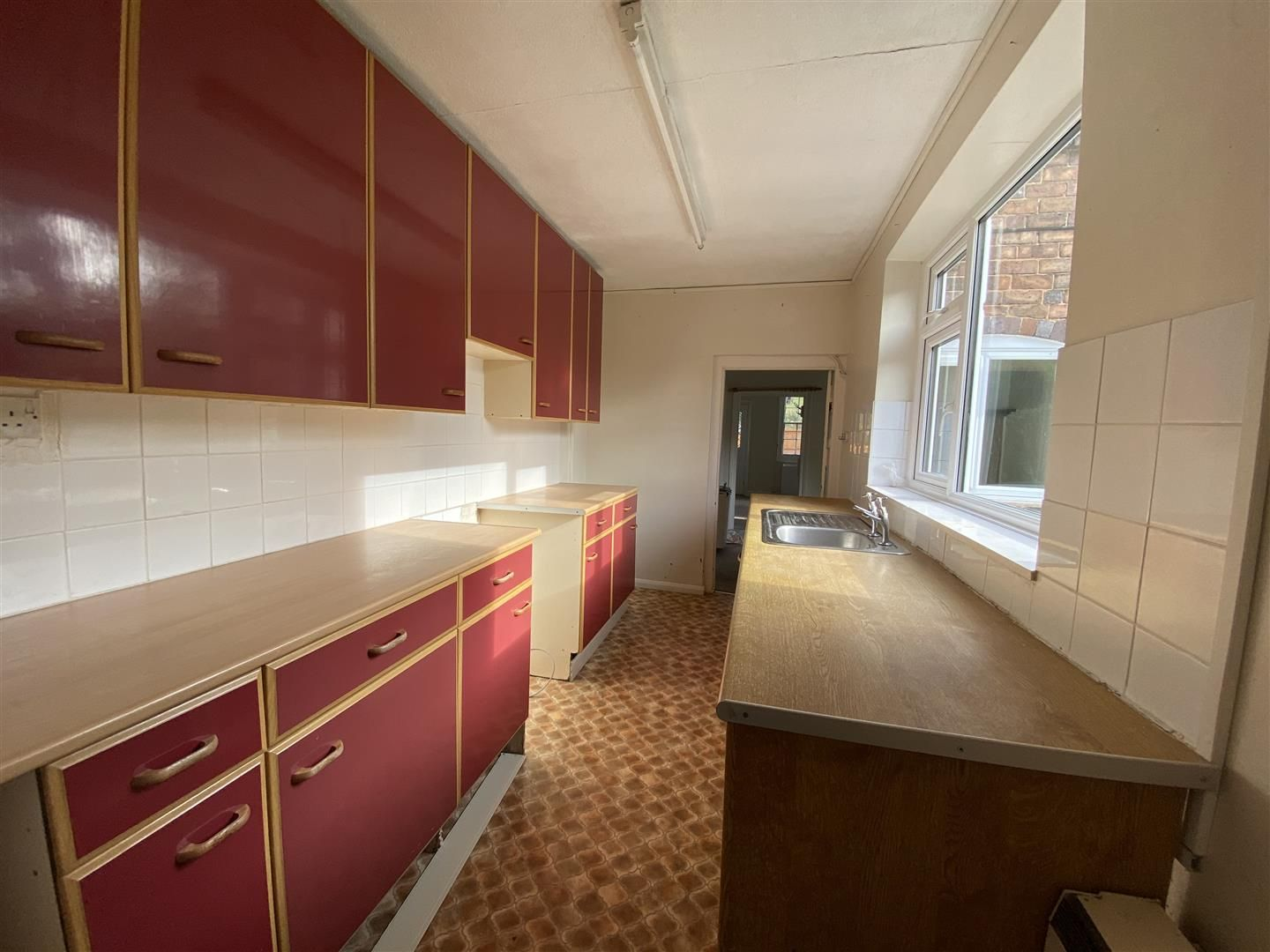 2 bed end-of-terrace for sale in Kinver 3