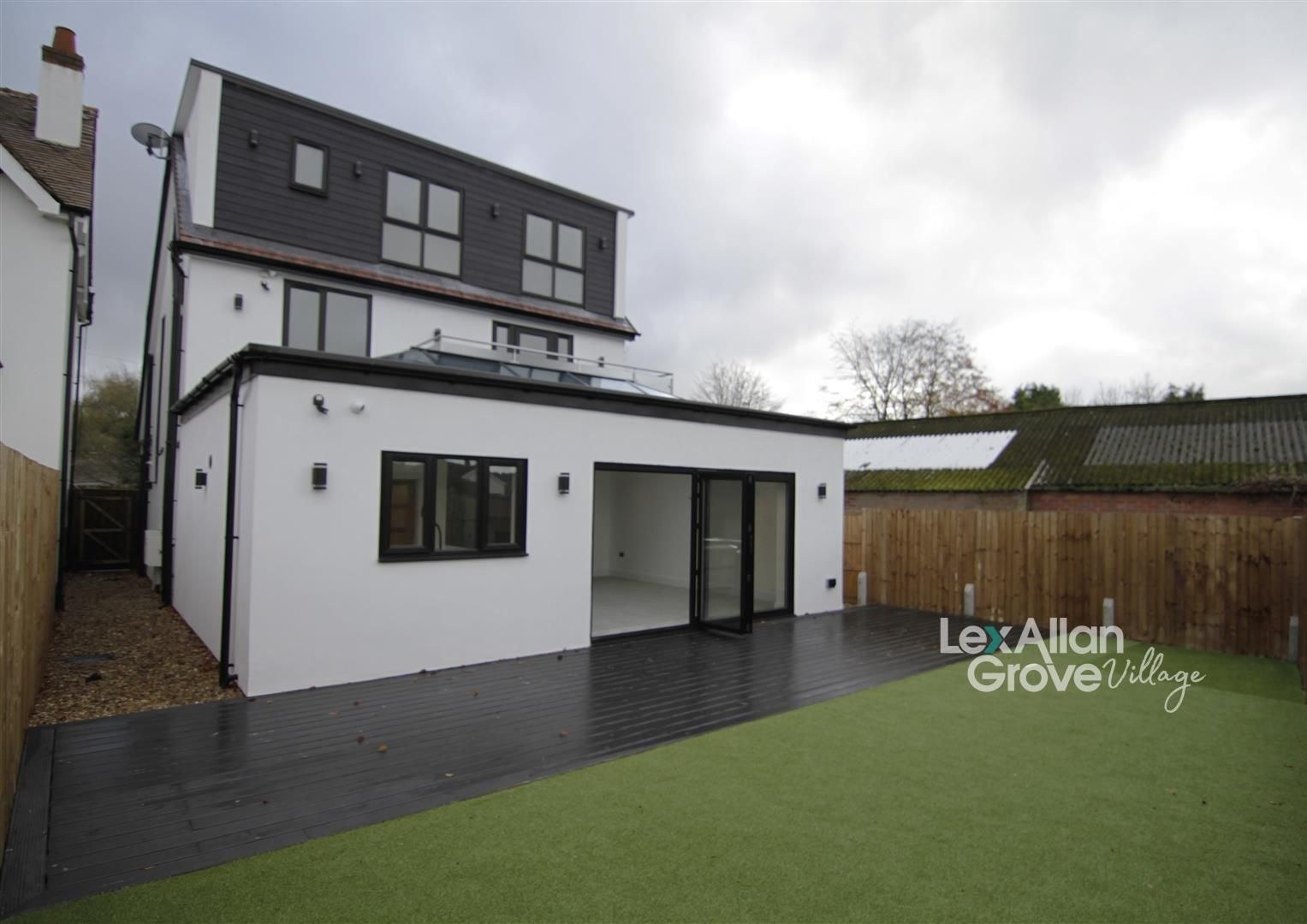 5 bed detached for sale in Hagley 1