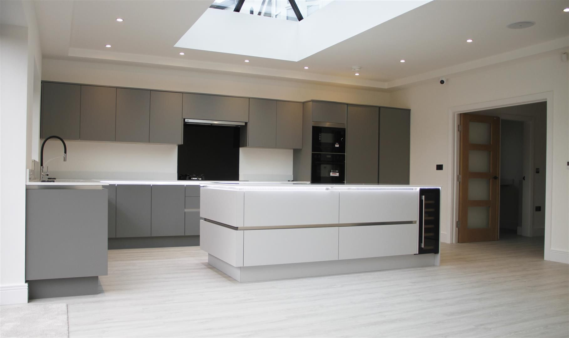 5 bed detached for sale in Hagley  - Property Image 2