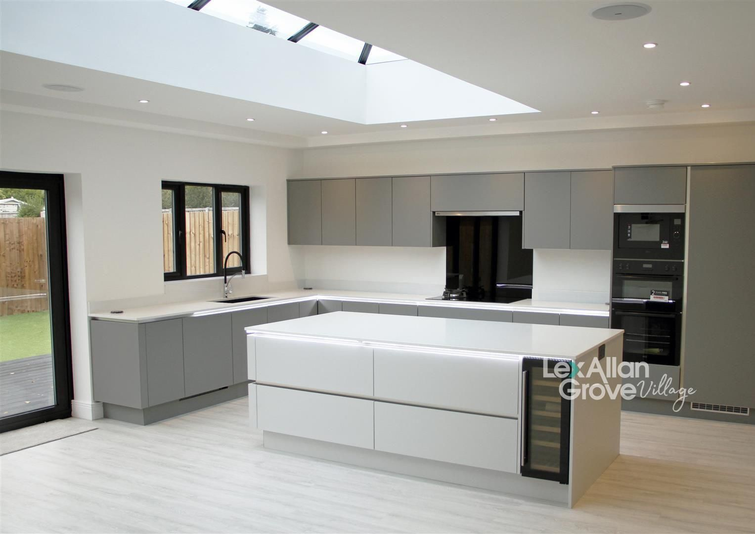 5 bed detached for sale in Hagley 3