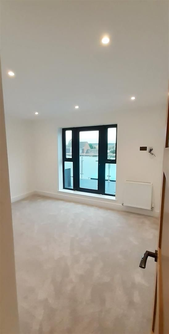 5 bed detached for sale in Hagley 22