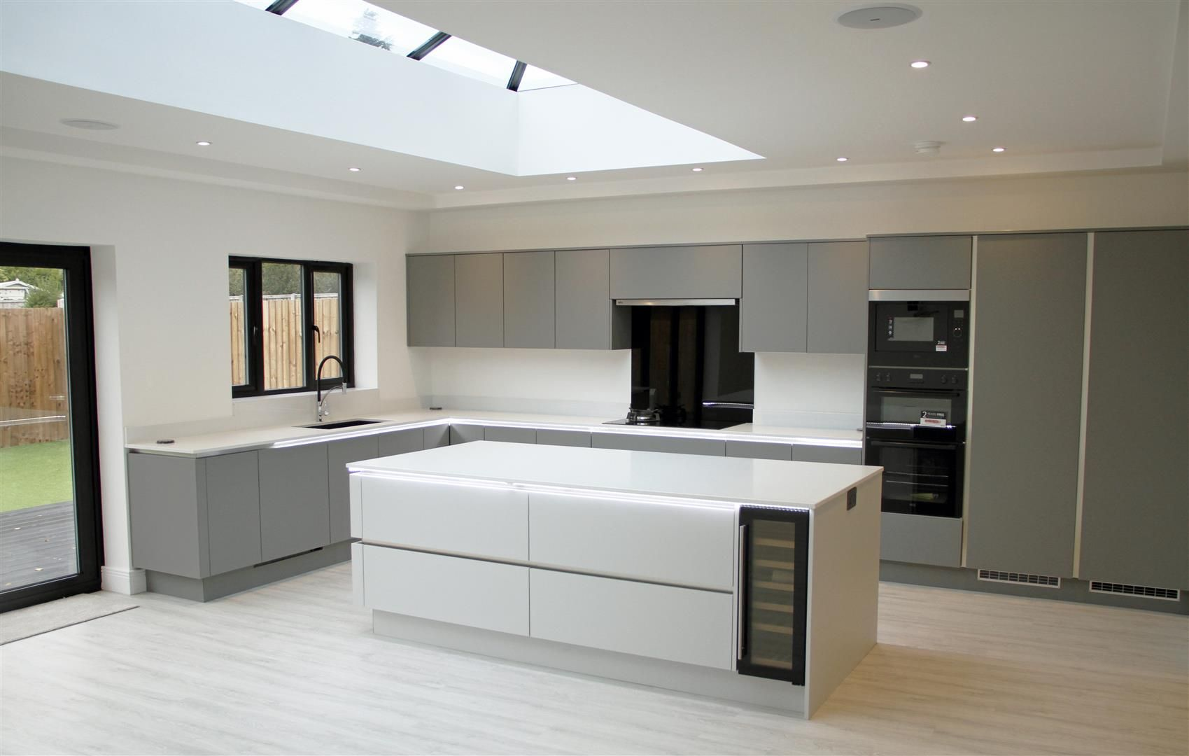 5 bed detached for sale in Hagley 44