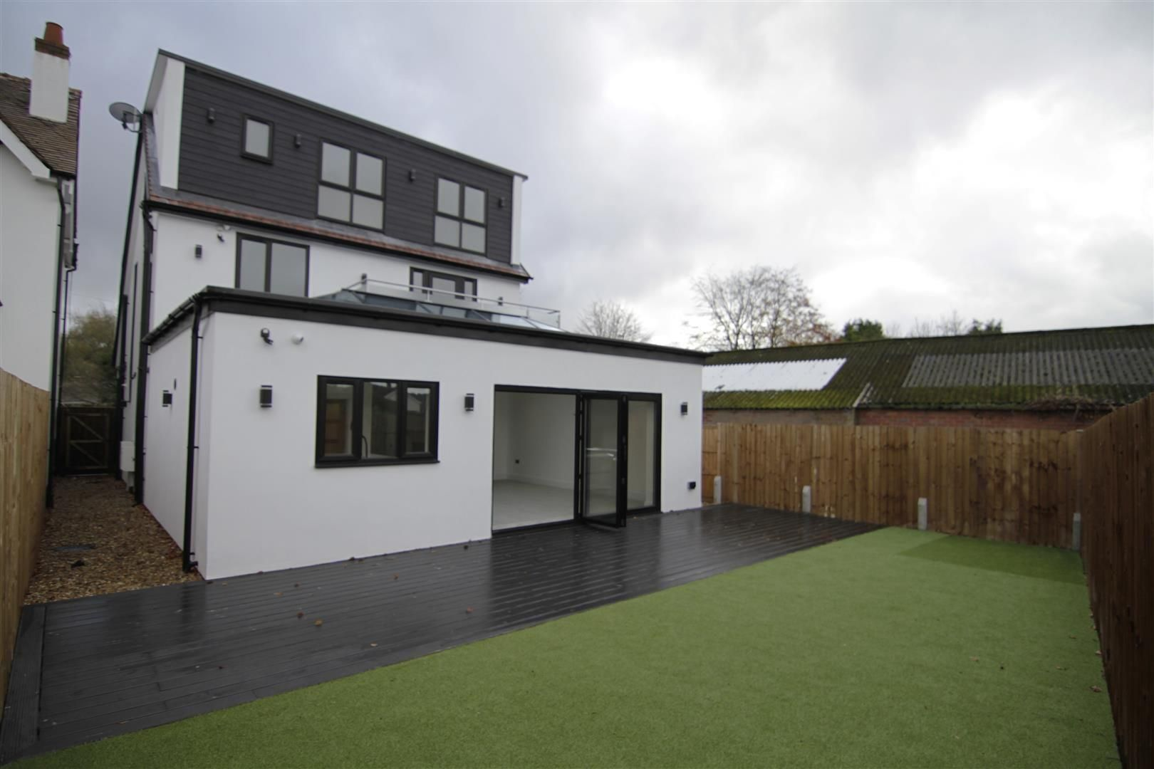 5 bed detached for sale in Hagley 45
