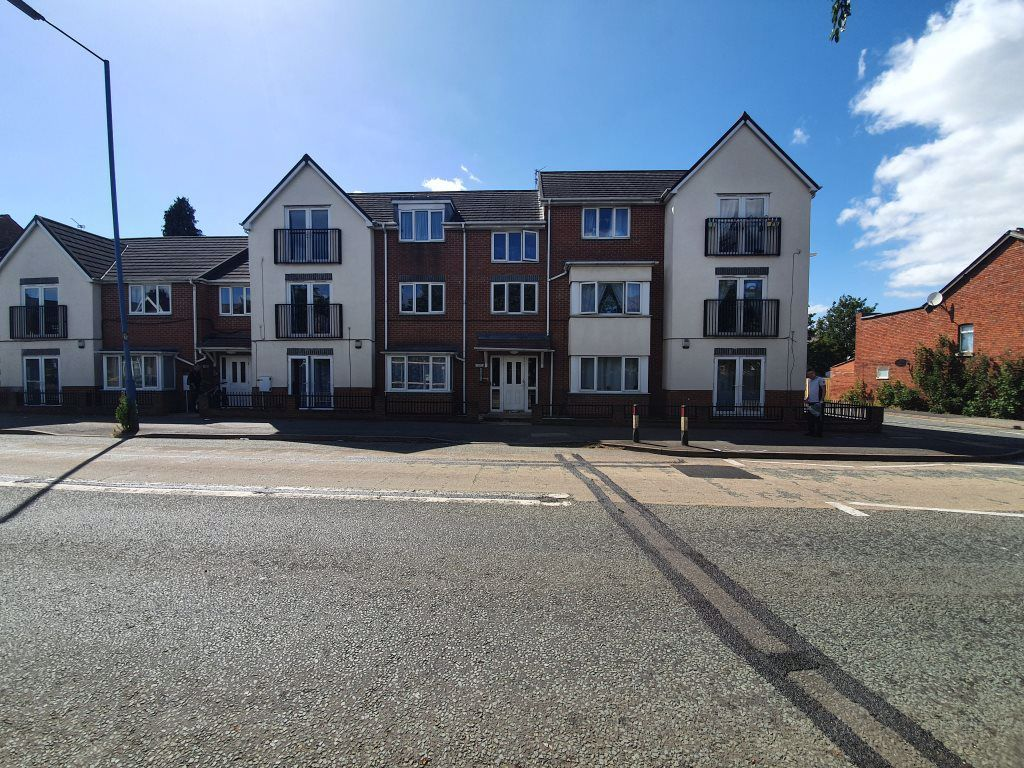 2 bed  to rent in Toll End Road, DY4