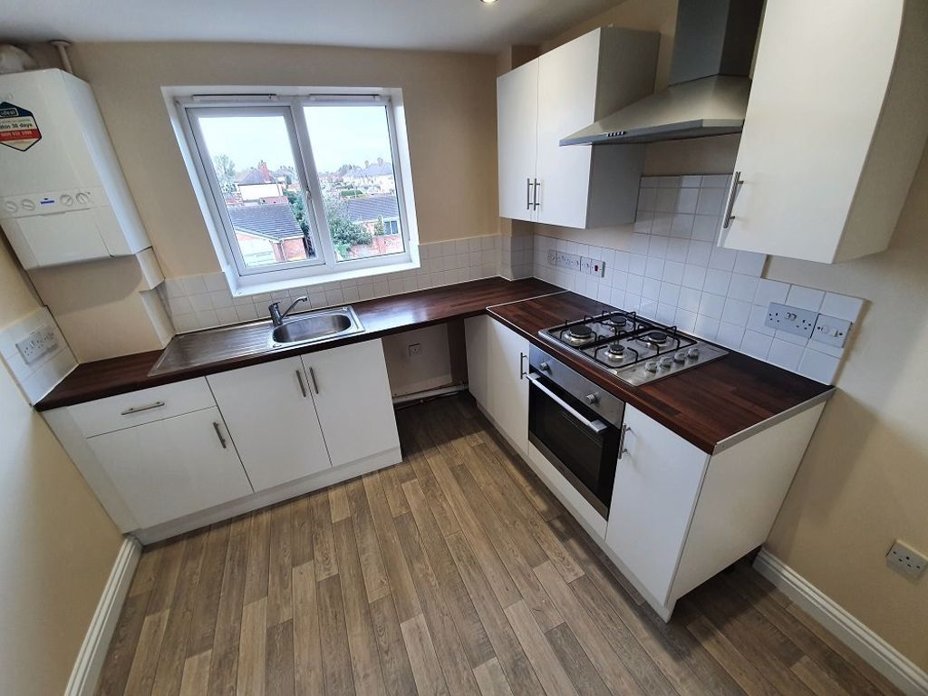 2 bed  to rent in Toll End Road 2