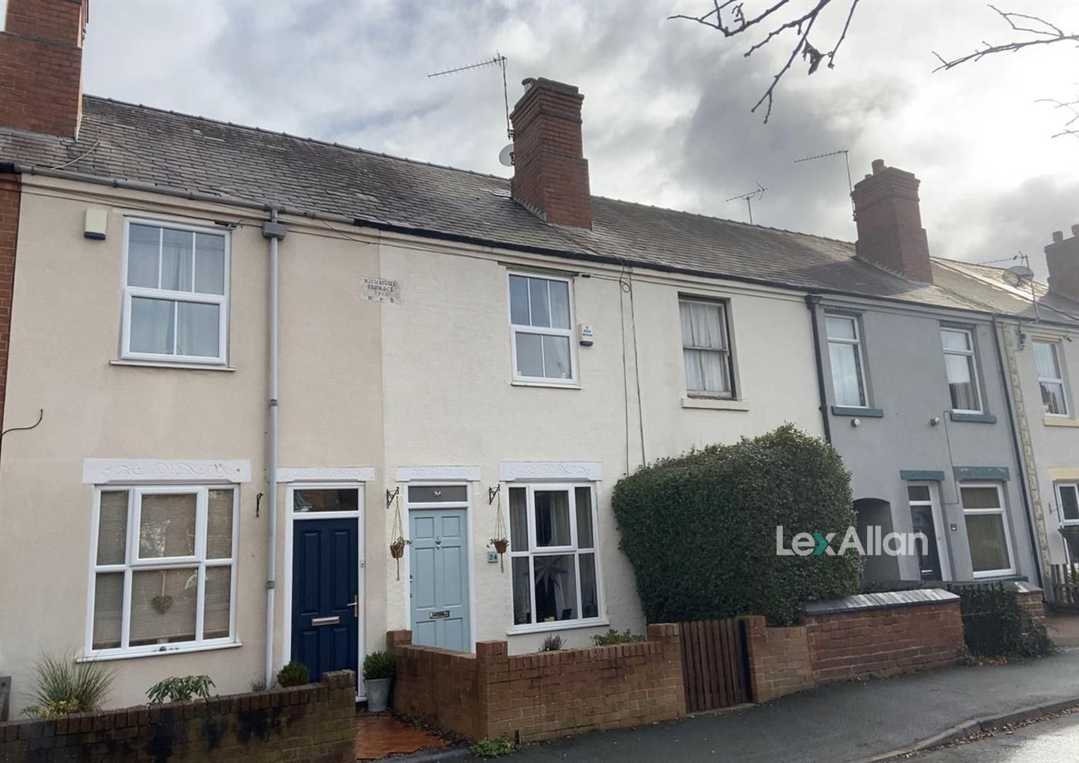 3 bed terraced for sale in Wollaston  - Property Image 1