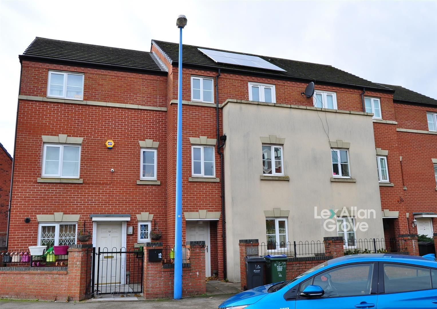 4 bed terraced for sale, B66