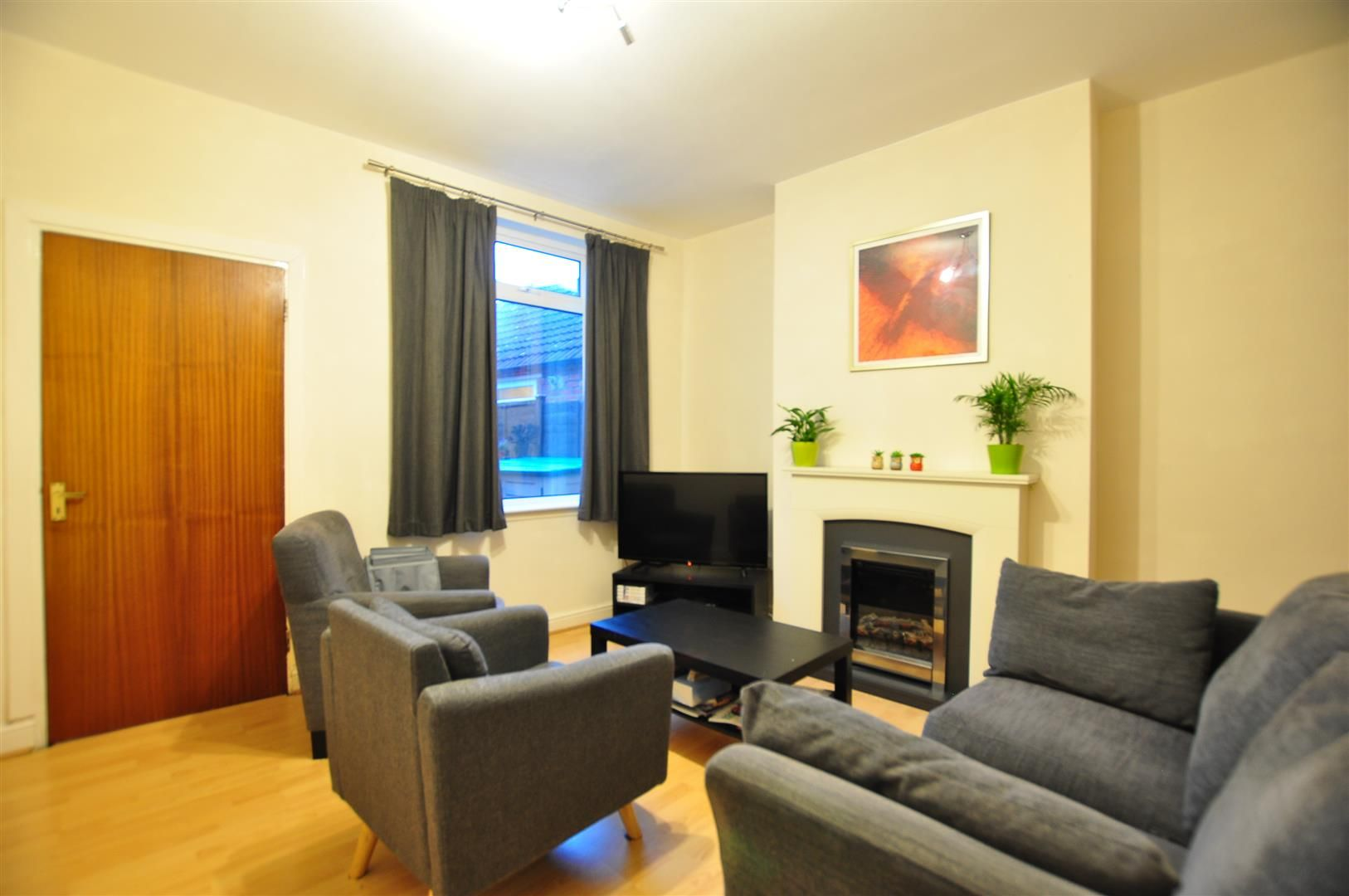 2 bed terraced for sale 2