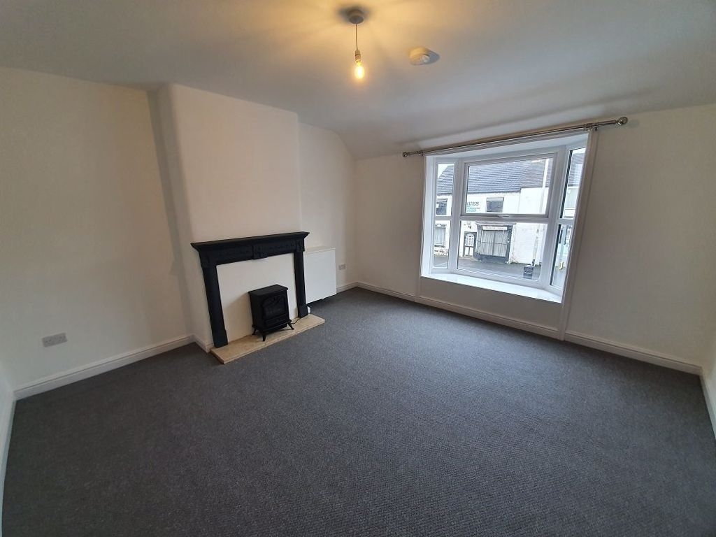 2 bed  to rent in Amblecote 3