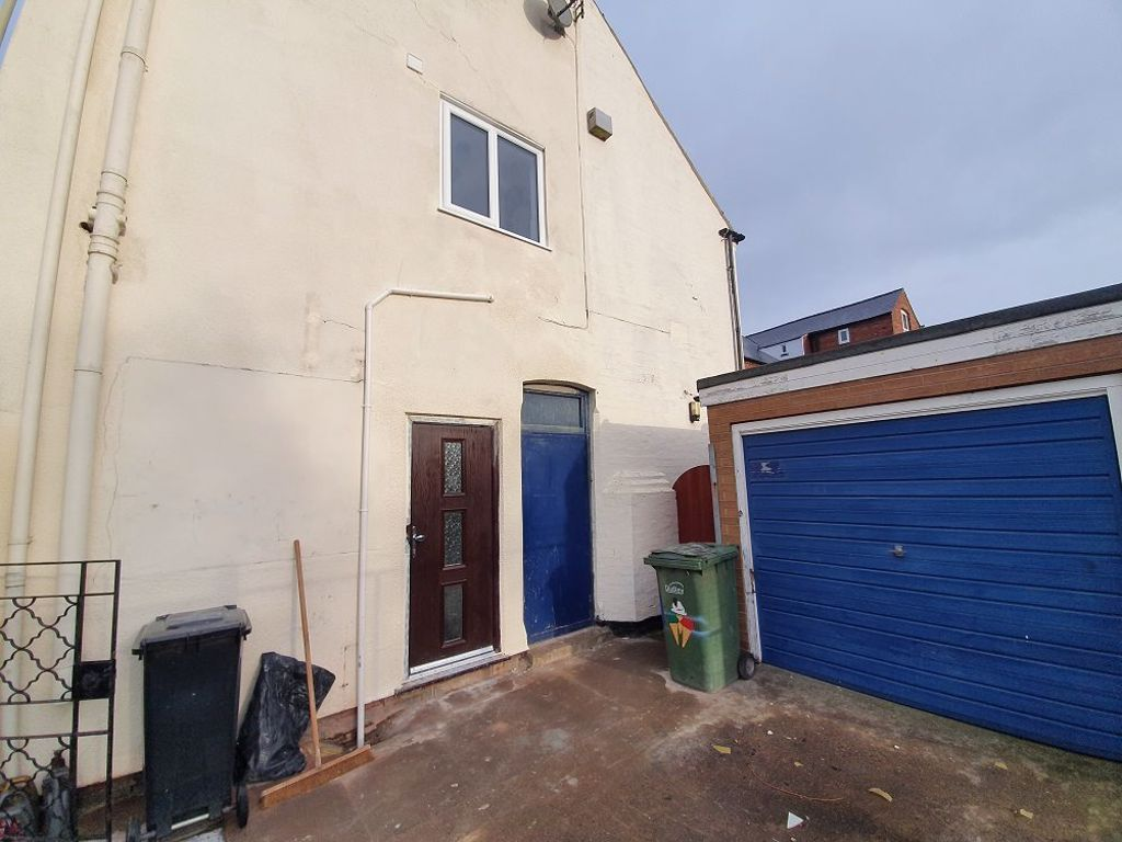 2 bed  to rent in Amblecote  - Property Image 9