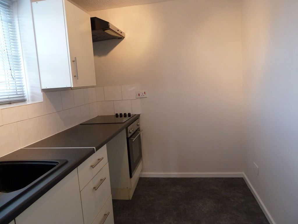 1 bed  to rent in Amblecote  - Property Image 5