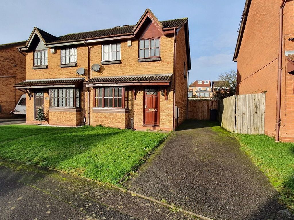 3 bed  to rent in Dudley, DY4