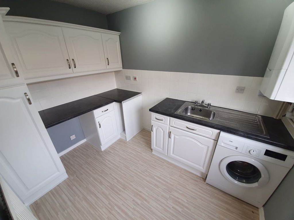 3 bed  to rent in Dudley 4
