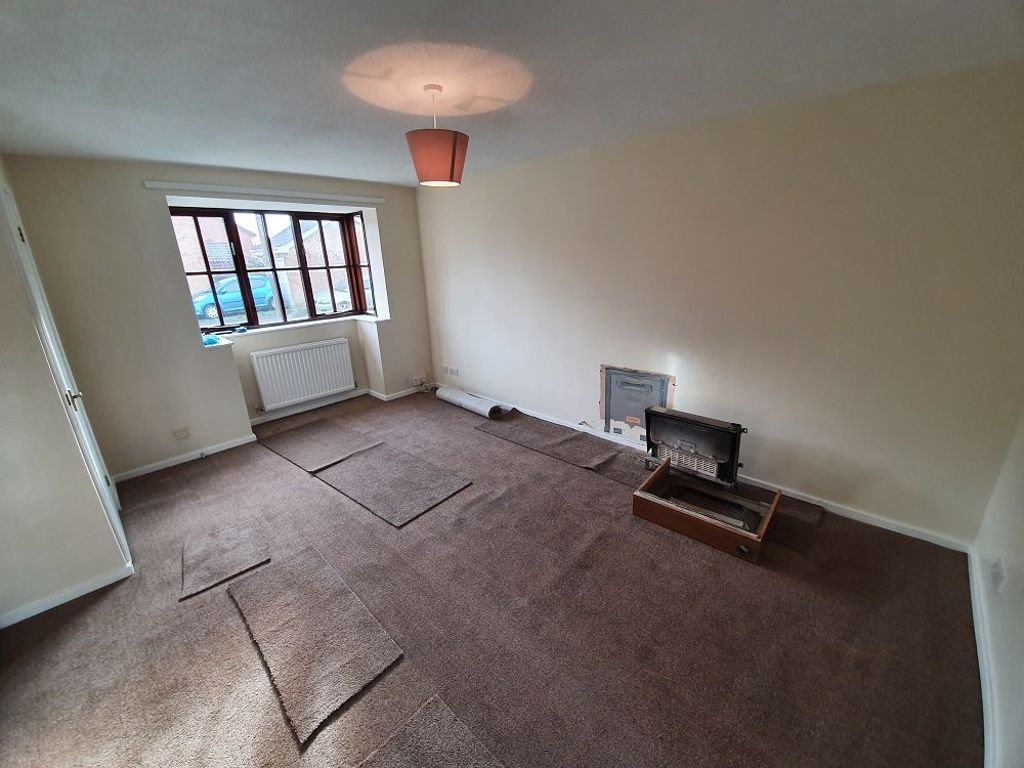 3 bed  to rent in Dudley 5