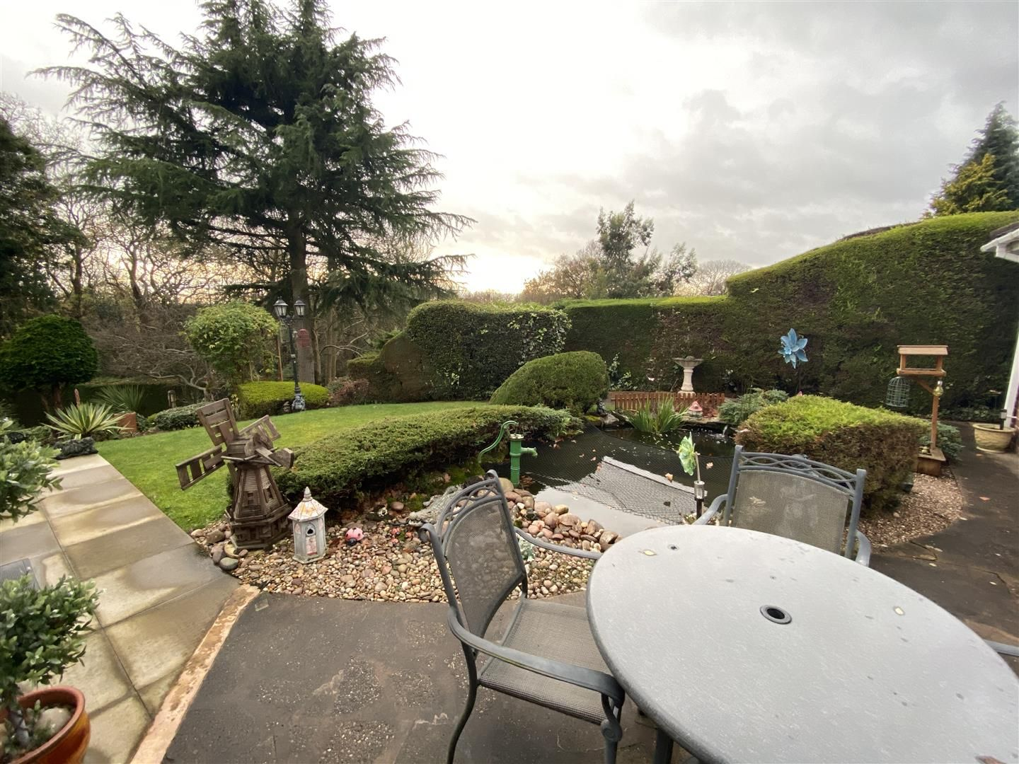 2 bed detached-bungalow for sale in Stourton 28