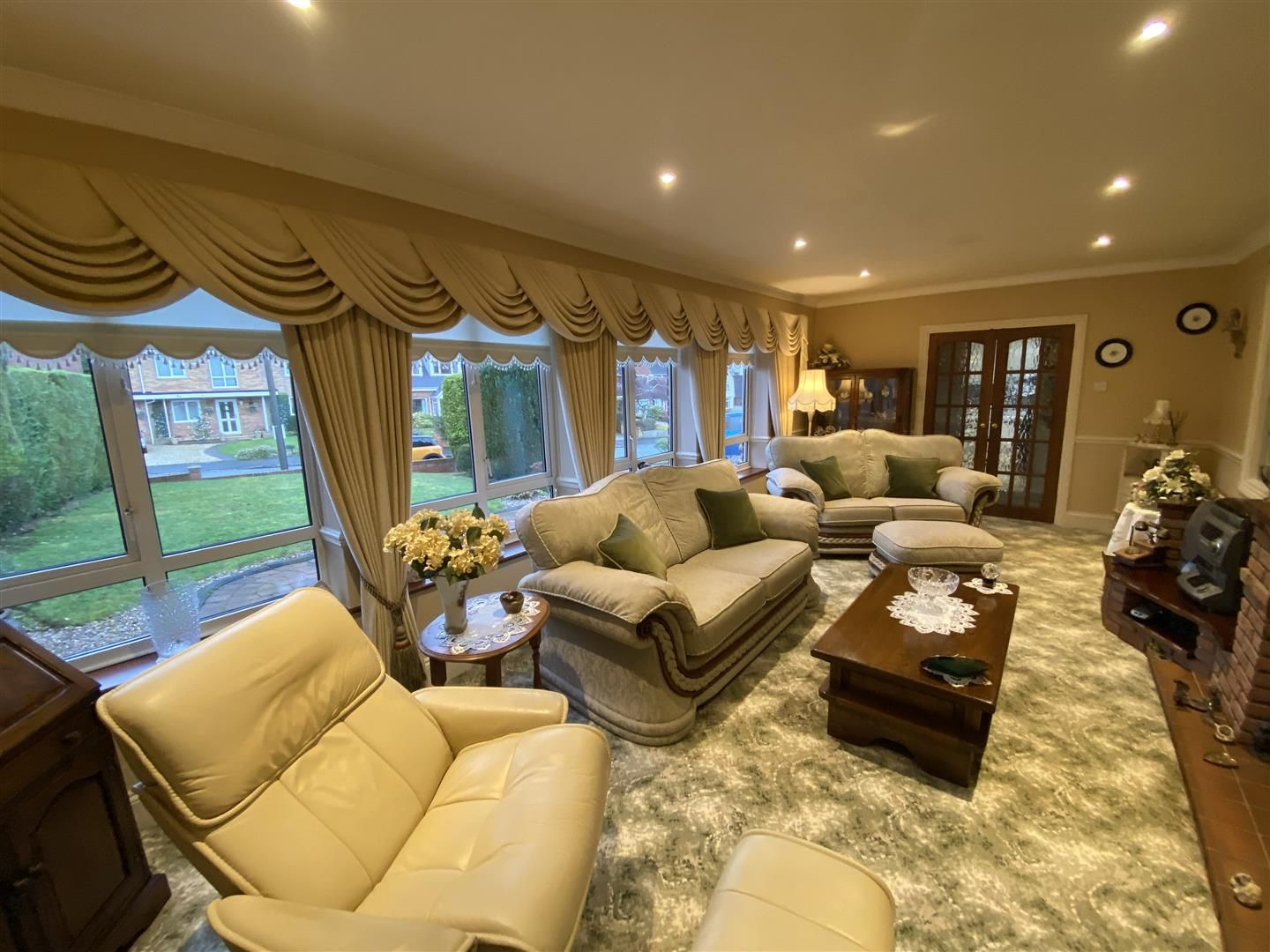 2 bed detached-bungalow for sale in Stourton 4