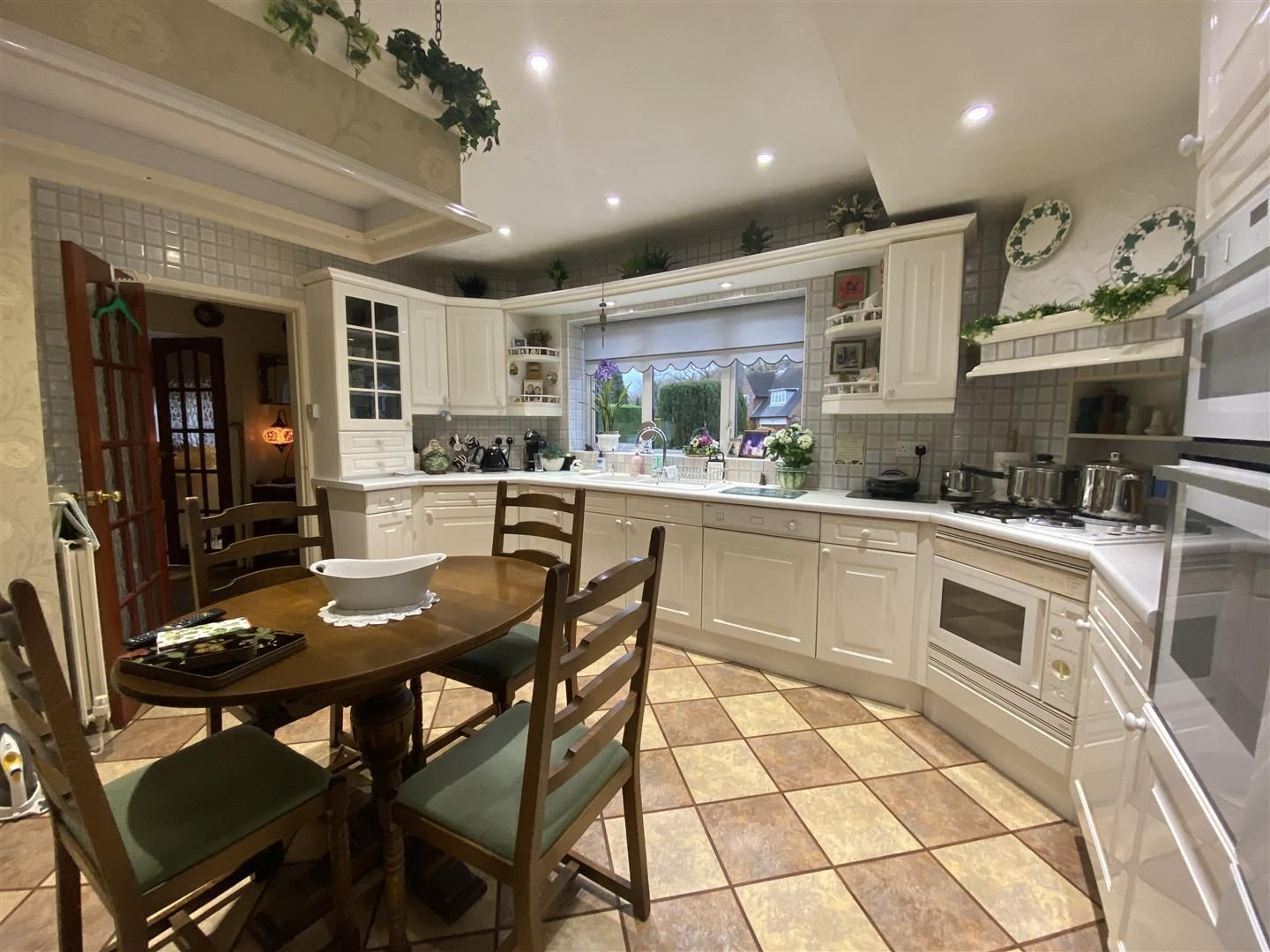 2 bed detached-bungalow for sale in Stourton  - Property Image 6