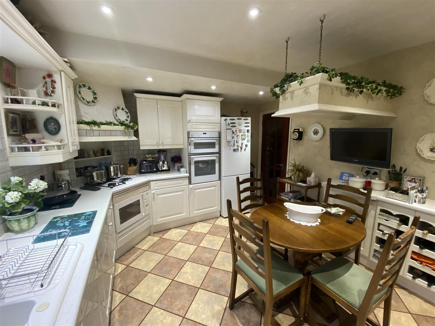 2 bed detached-bungalow for sale in Stourton 7