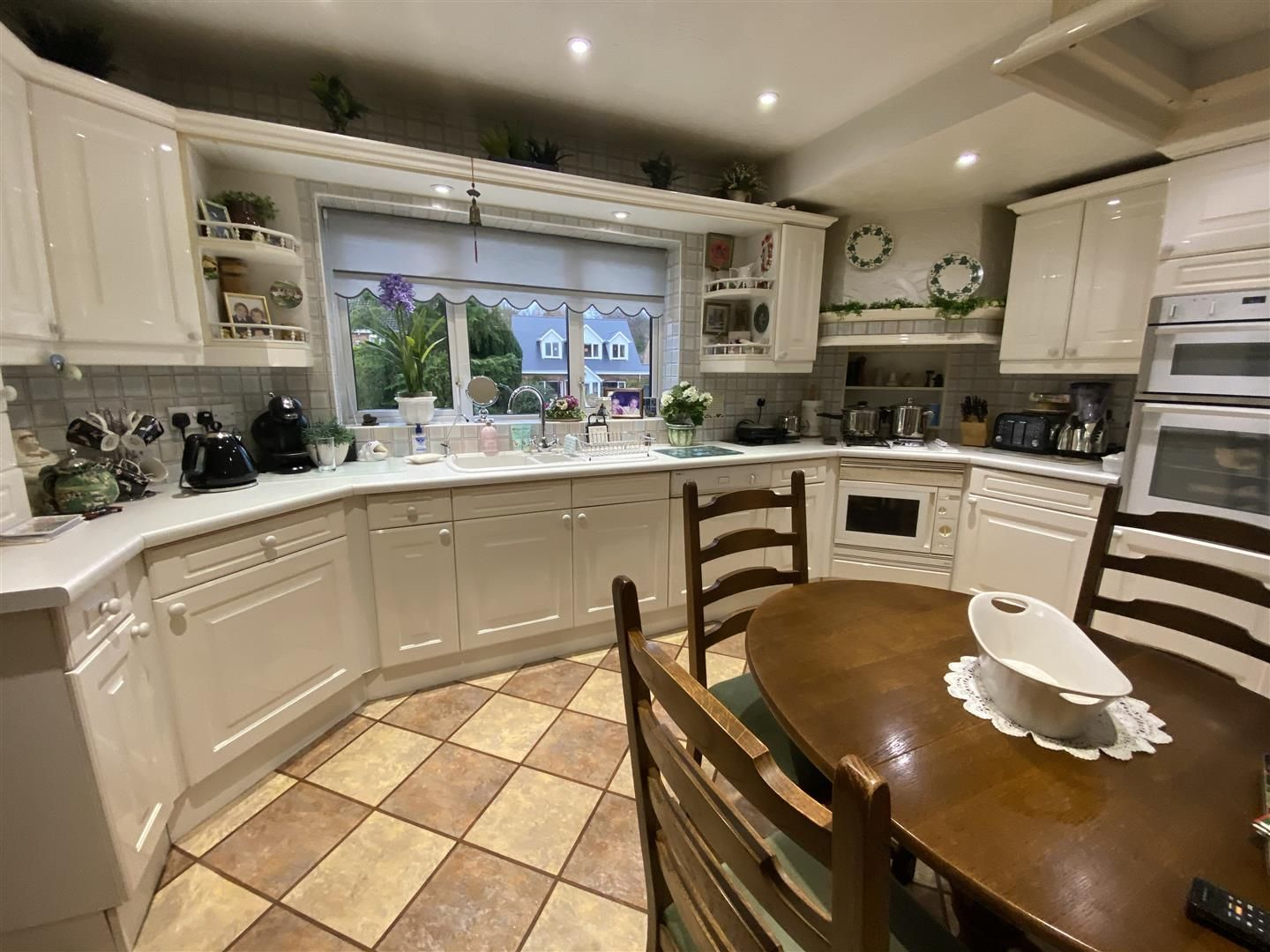 2 bed detached-bungalow for sale in Stourton 8
