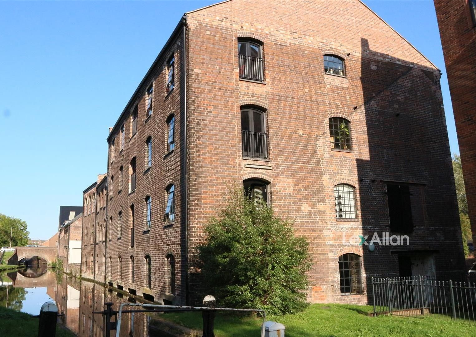 1 bed apartment for sale in Wordsley, DY8