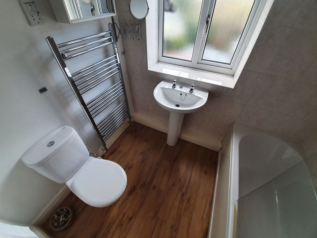 2 bed  to rent in Drakelow Lane 6