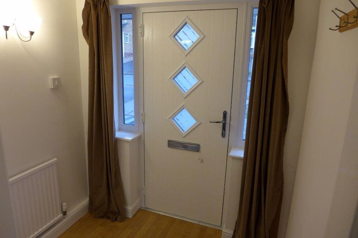3 bed  to rent 2