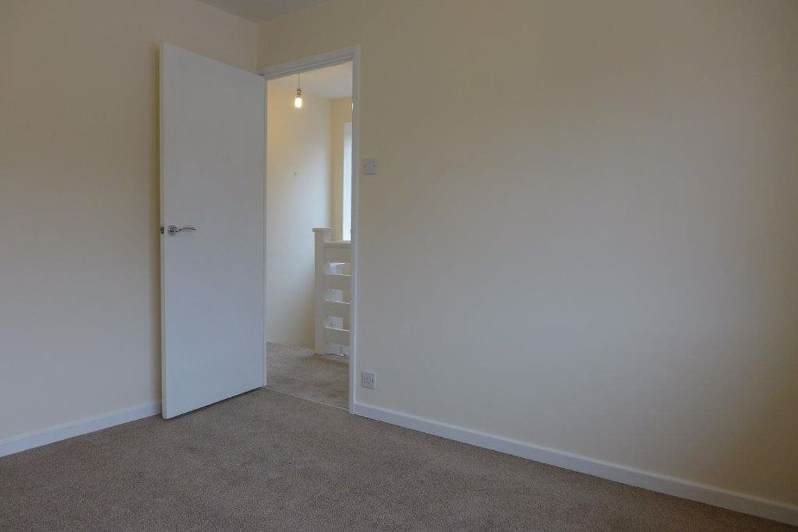 3 bed  to rent 13
