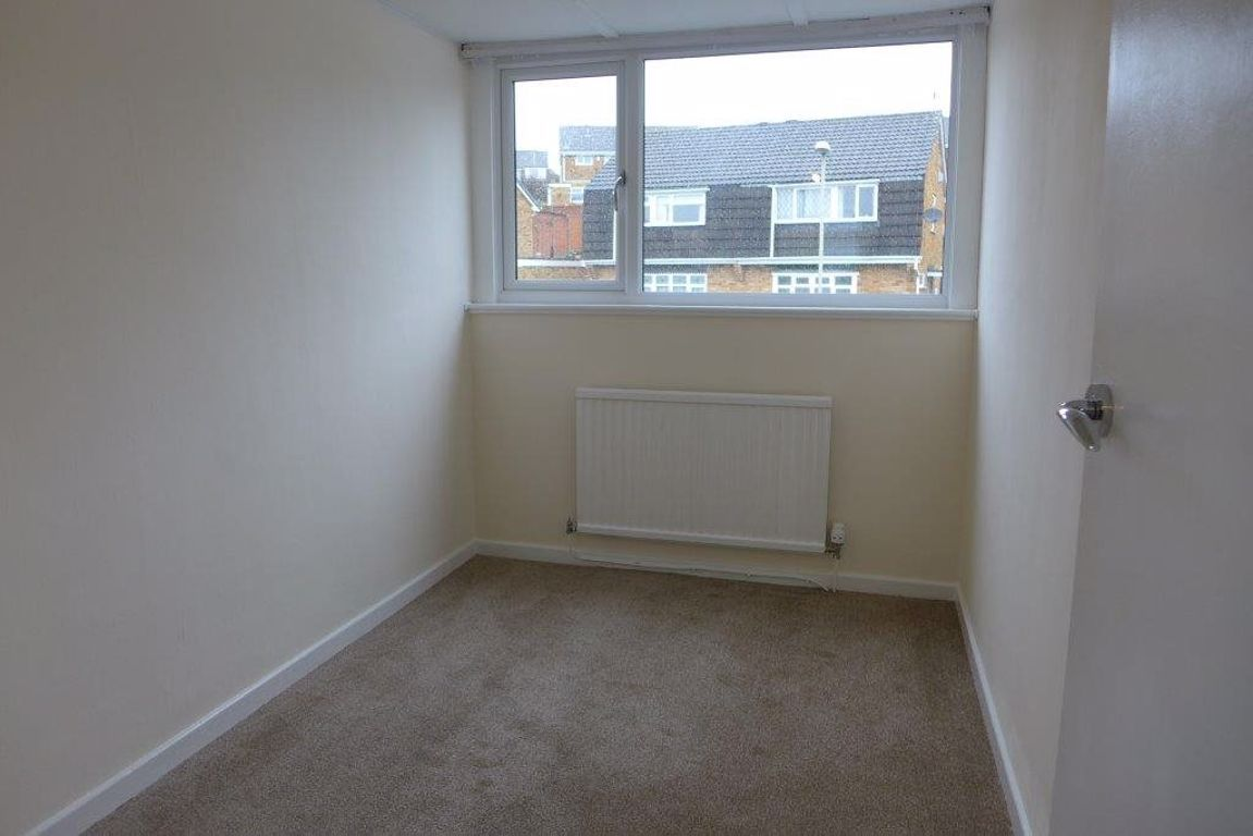 3 bed  to rent  - Property Image 14