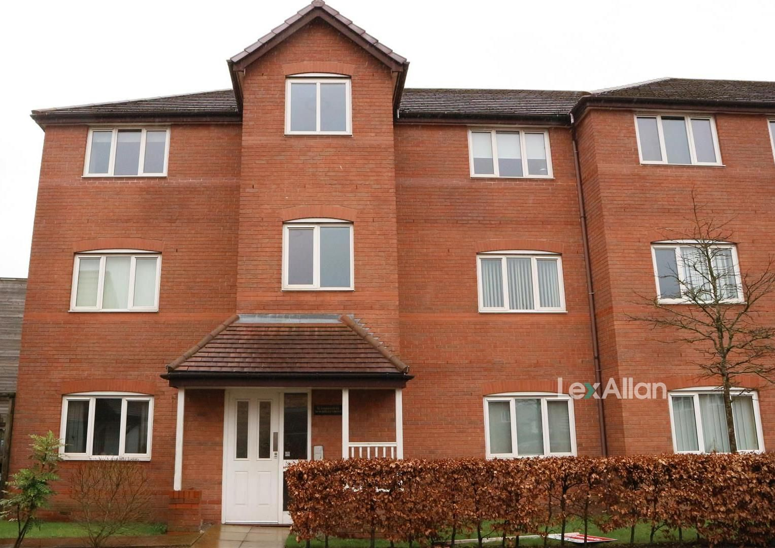 1 bed flat for sale, DY1